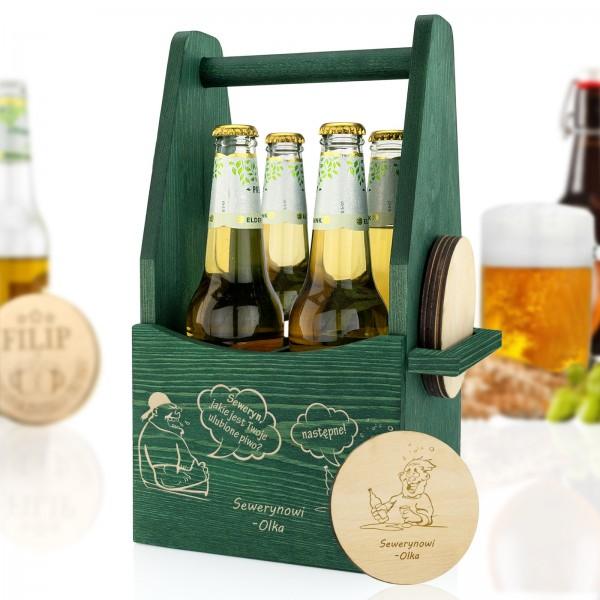 drewniane nosidło na piwo z personalizowanymi podkładkami