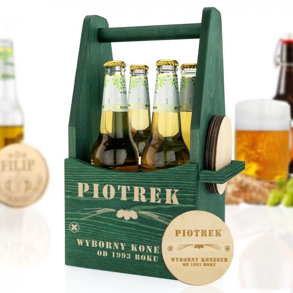 drewniana skrzynka na piwo z zestawem podkładek z grawerem dla niego