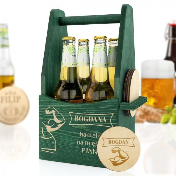 zielona skrzynka na butelki z podkładkami z grawerem dla niego na prezent