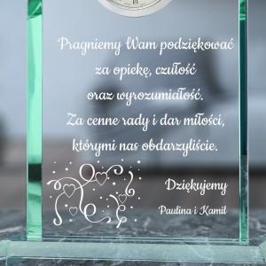 grawer podziekowań na szklanej statuetce na podziękowania weselne dla rodziców
