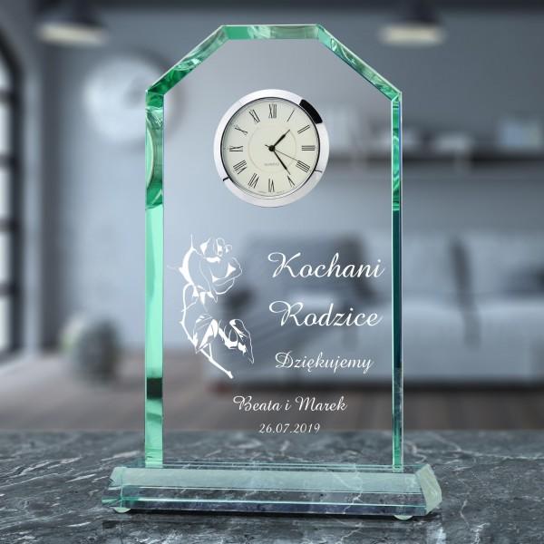 statuetka szklana z zegarem i grawerem na prezent dla rodziców