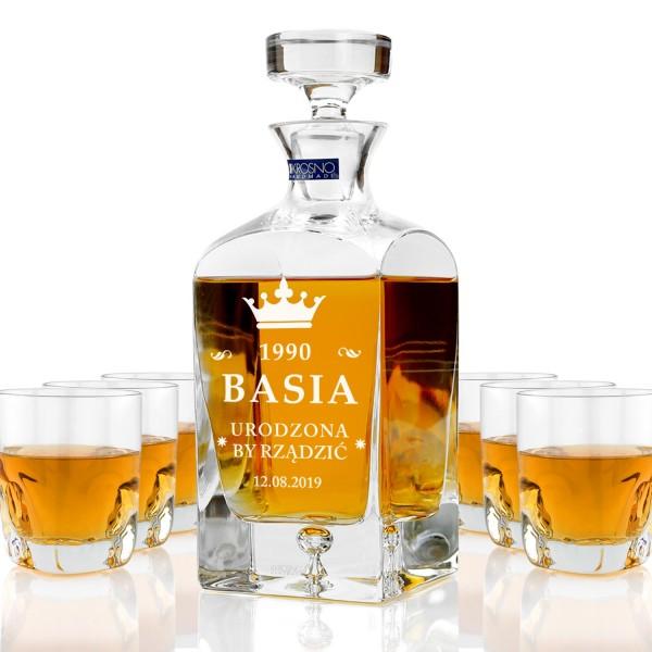 ekskluzywna karafka ze szklankami do whisky z grawerem personalizacji na prezent na urodziny dla przyjaciółki