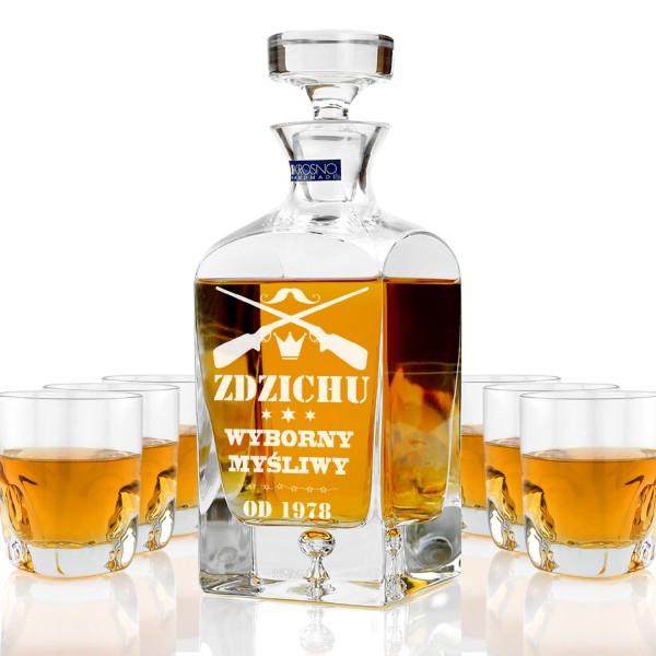 ekskluzywna karafka ze szklankami do whisky z grawerem personalizacji na prezent na urodziny dla myśliwego