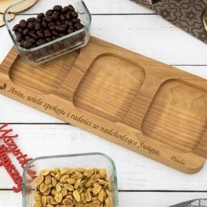 deska z grawerem dedykacji pod salaterki szklane na prezent dla koleżanki na mikołajki
