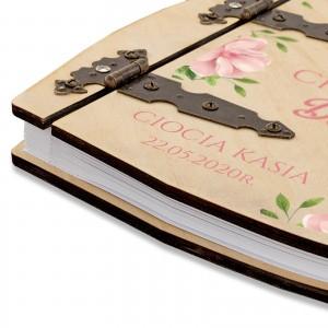 dedykacja na drewnianym albumie na chrzest