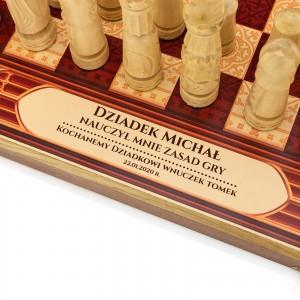 nadruk dedykacji na szachach na prezent dla dziadka na mikołajki