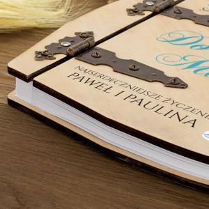 album drewniany z okuciami na 45 rocznicę ślubu