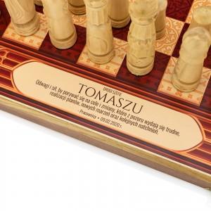 nadruk dedykacji na szachach na prezent na urodziny dla szefa