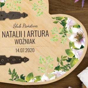 pamiątka ślubu - drewniany album w kształcie serca z nadrukiem
