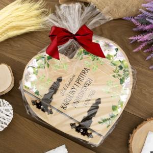 album drewniany zapakowany w celofan na prezent ślubny