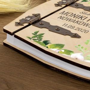 nadruk na drewnianym albumie na prezent ślubny