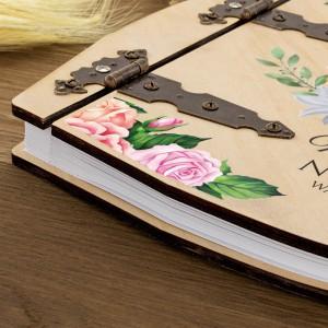 kolorowy nadruk na albumie w drewnianej oprawce