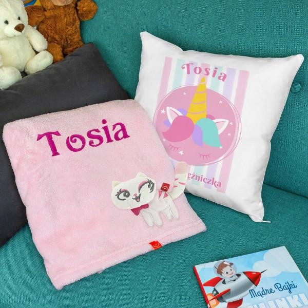 Kocyk i poduszka z personalizacją na prezent dla dziewczynki