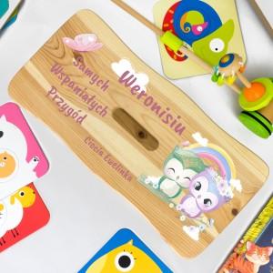sosnowy taboret dla dziecka z nadrukiem imienia i dedykacji