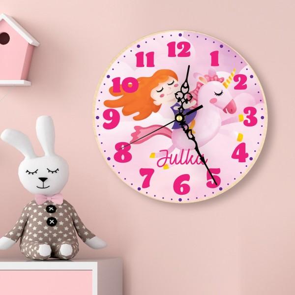 zegar z nadrukiem - aranżacja na ścianie pokoju dziecięcego  na prezent dla dziewczynki na roczek
