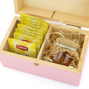 zestaw prezentowy w skrzynce 10 torebek herbat i 2 słoiczki miodu na prezent dla babci