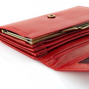 czerwony portfel funkcjonalny i elegancki na prezent dla niej na imieniny