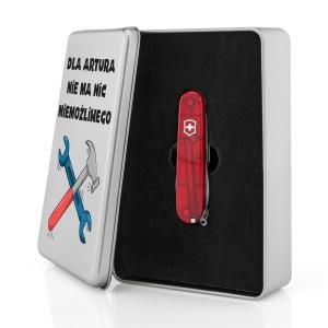 czerwony scyzoryk Victorinox na prezent dla chłopaka  w puszce z nadrukiem